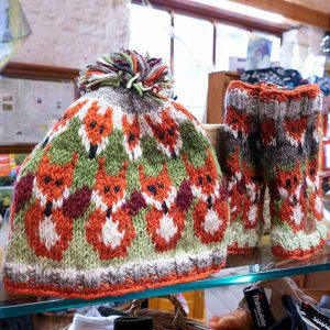 red fox pattern knitted mittens and hat set