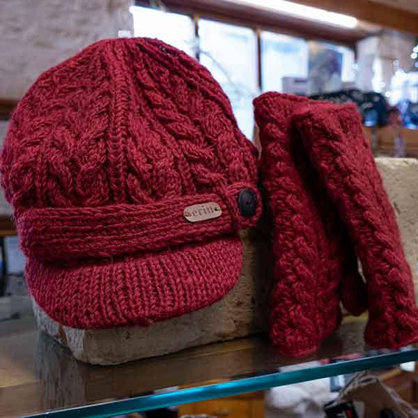 maroon cable knit peeked cap and mittens set
