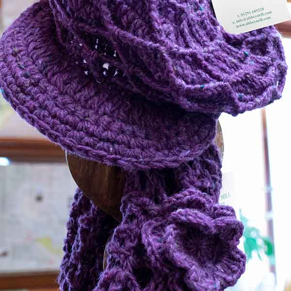 chunky knitted purple scarf and hat